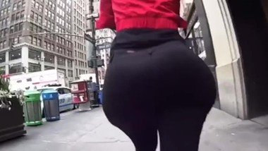 My moms big ass (recorded her from behind) LOOPED