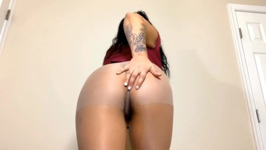 TEASER Pantyhose masturbation and pee FULL VERSION www.modelhub.com/shortii