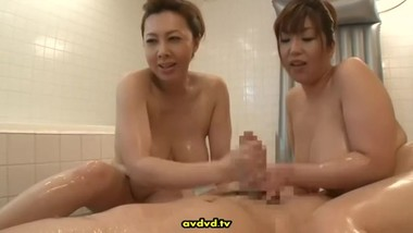 Threesome Soapy Massage Yumi & Naho
