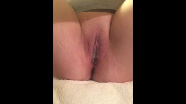 Finger Fucking and Stretching My Pussy