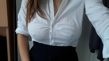 HUGE NATURAL TITS SECRETARY