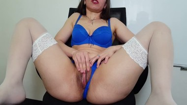 clit rubbing orgasm and 4 finger in my pussy