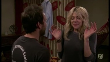 It's Always Sunny in Philadelphia - Dee and Charlie make-out