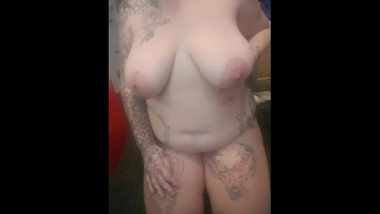 38GG shake huge nipples i take requests