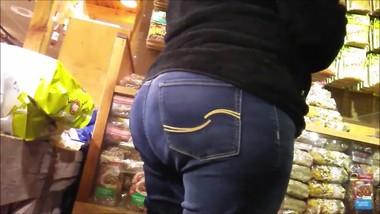 CANDID BBW MILF TIGHT JEANS ROUND ASS BIG TITS VOYEUR COUGAR BOOTY SHOTS!!!