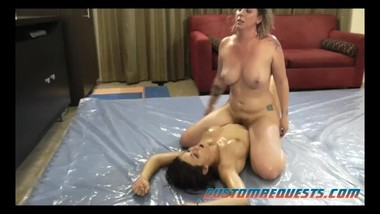 joylyn vs sarah oil wrestling