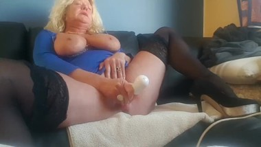 Fucking tight mature pussy till squirting then wait for it...... -)
