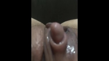 MY GF BIG CLIT