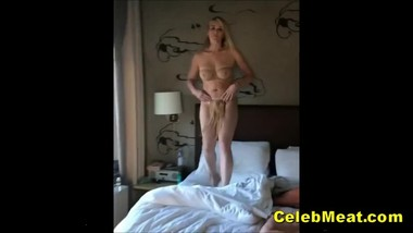 Chesty Milf Chelsea Handler Showing Her Celeb Tits