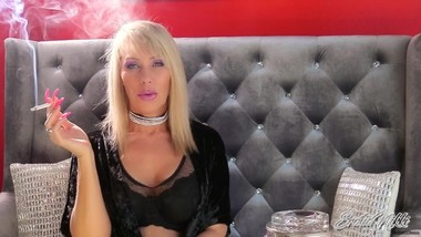 Nikki Ashton - Smoky Seduction