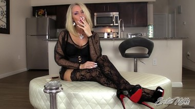 Nikki Ashton - MILF Smoking VS120 In Stockings