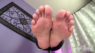 Nikki Ashton - Cum In your Pants Under Feet