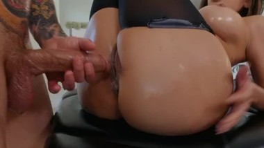 milf oil massage fuck in pantyhose