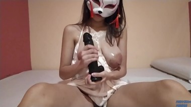 PINAY HAVING FUN WITH MY BBC DILDO