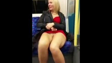 london underground pussy flash
