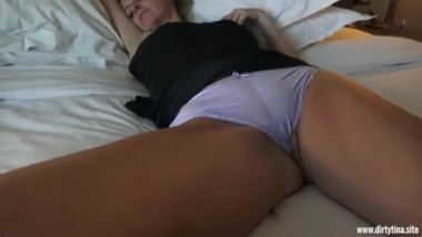 To much Drinks for the Milf - Fingered and fucked
