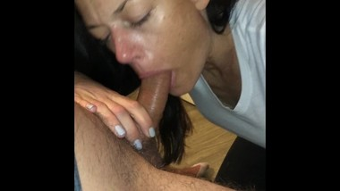 Slut cheating on her boyfriend suck big dick and gets facial