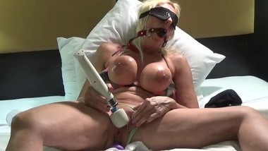 Extreme hitachi orgasm pussy juice everywhere she licks it off her fingers