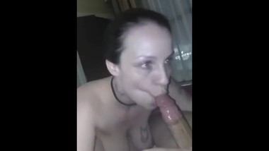 ESCORT GIVES GREAT BLOWJOB