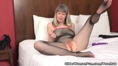 Blonde milf Jamie Foster from the USA enjoys her sex toy