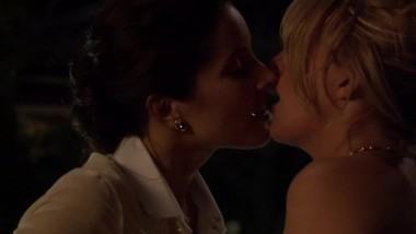 Rachel Shelley & Laurel Holloman - Lesbian Pool Sex (The L Word) - NO MUSIC