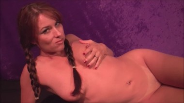 Angelique Le Clair nude bubble gum chewing tease