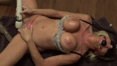 wet exploding orgasm on floor horny mom masturbates on living room floor