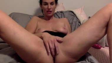 Hot Brunette Big Tits Cums Using Vibrator