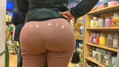 milf store candid