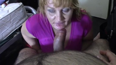 deepthroat and blowjob mature amateur