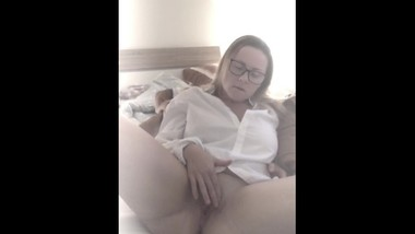 Best Homemade - Hot Wife fingering her Pussy to Orgasm