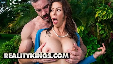 Reality Kings - Busty Milf Alexis Fawx fucks the Garden