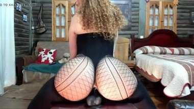 Perfect big ass milf playing with dildo camgirl at www.camgirlforfree.com
