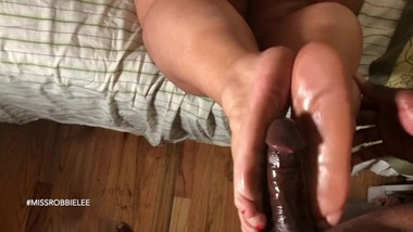 Amazing Foot Job from Hot Milf with Sweet Toes & Soles.. (Preview)