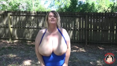 BACKYARD BOOB TWERKING TRAILER