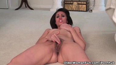 USA milf Gypsy Vixen strips off and rubs her hairy pussy
