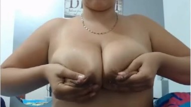Mia big tits and much milk