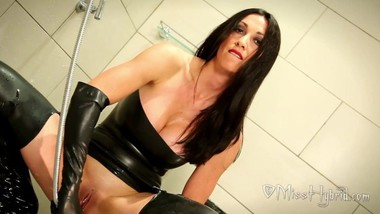 Getting_Ready_For_Dirty_Filth_Showering_In_Latex