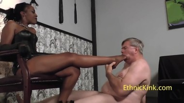 slavery to ebony mistress feet