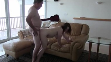 Amateur big butt brunette fucked by old man