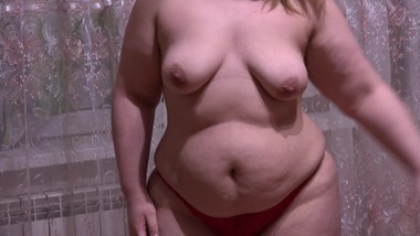 beautiful fat lady milf with hairy pussy, washes the floor and masturbates
