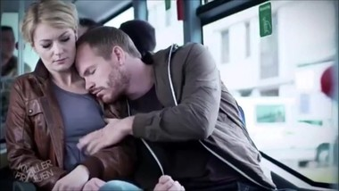Knallerfrauen - Woman groped by sleeping guy on a bus