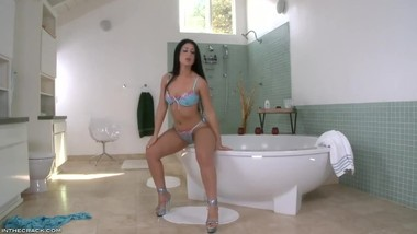 TEENS & MILFS GET WET 7 - LUSCIOUS
