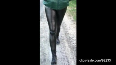 Walk in shiny leatherette leggings 2.