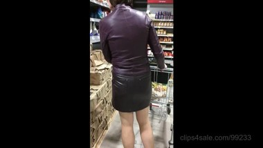 Shopping in leather, March 22, 2019