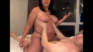 CHUBBY WIFE RIDES HER MANS COCK ON WEBCAM