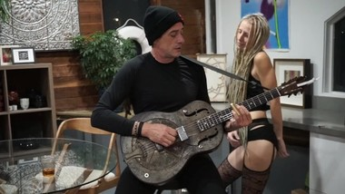 Sexy dance in lingerie to live blues musician serenade