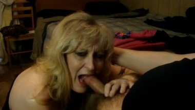Blond whore gets a unwanted facial....