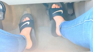Pedal pumping in slides and barefoot