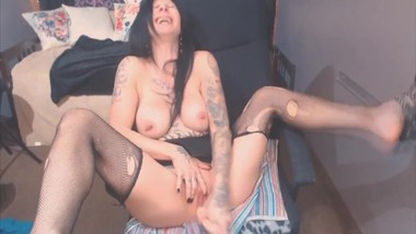 Excited hot inked brunette mom with big tits
